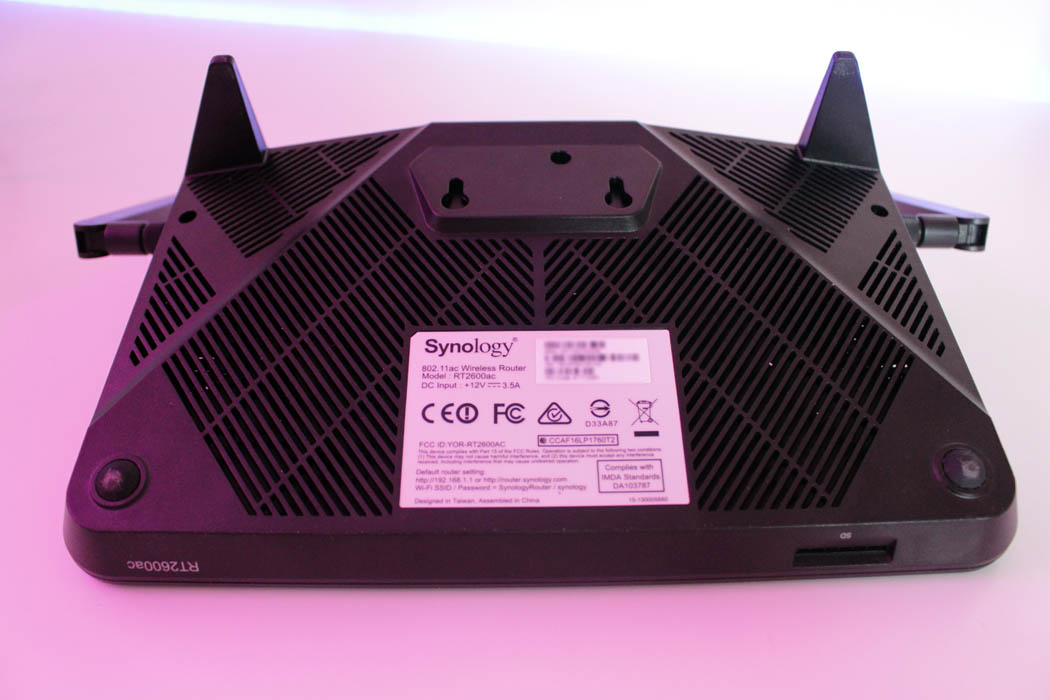Review Synology RT2600ac Techandising inferior