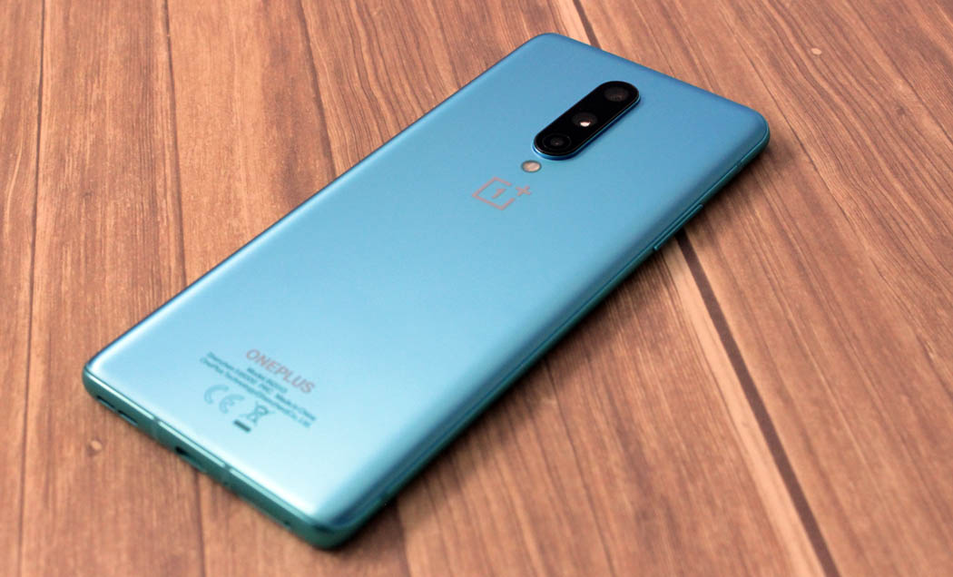 Review OnePlus 8 Analisis Techandising Trasera